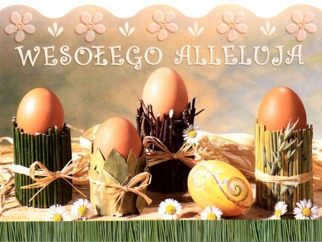 świąteczna kartka z życzeniami i jajkami